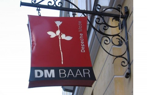 Picture of the outside of the Depeche Mode Bar in Estonia
